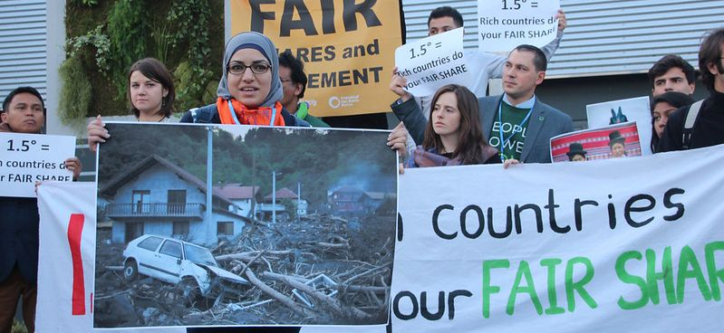 FoE action at COP21 highlighting the need of fair shares